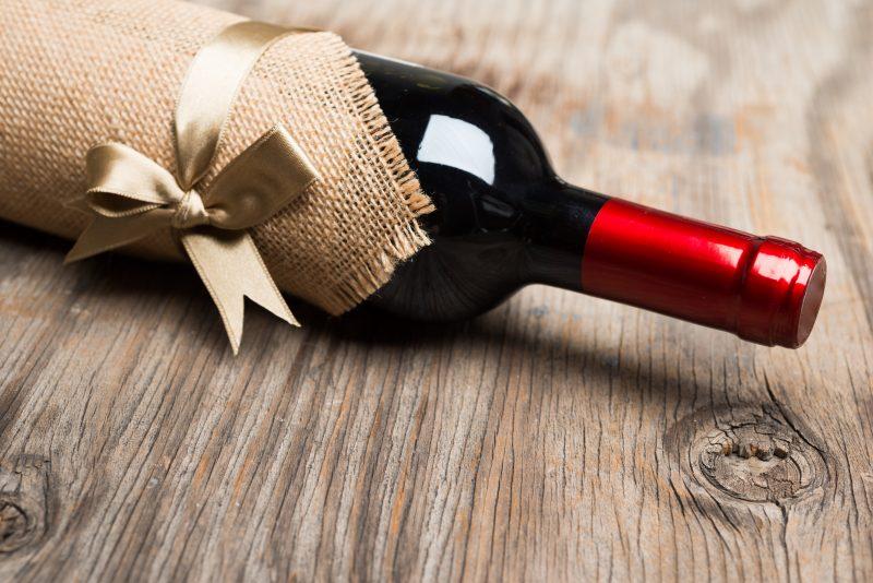4-regali-natalizi-per-clienti-amanti-del-vino-e1542626057971